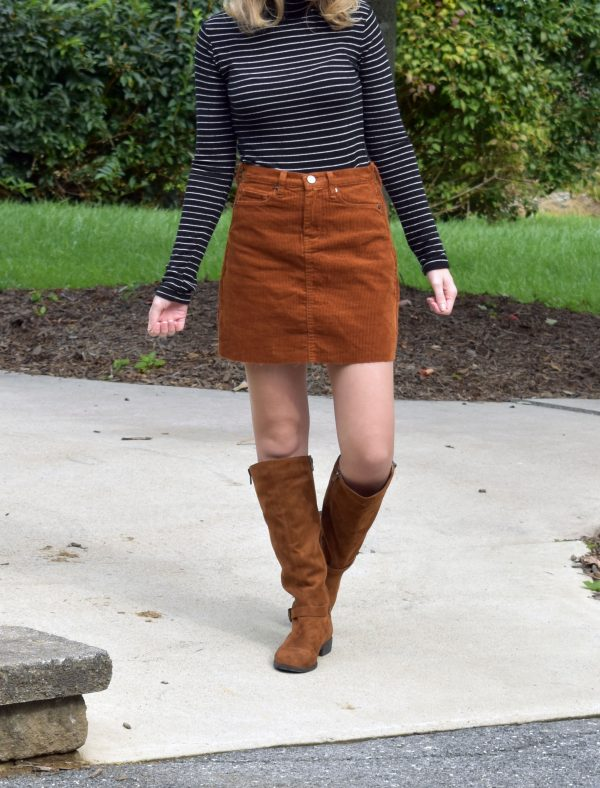 How to Dress for Fall When It's Still Warm Outside