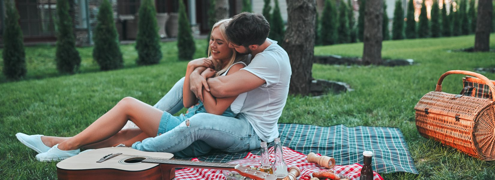 15 Outdoor Date Night Ideas For Summer